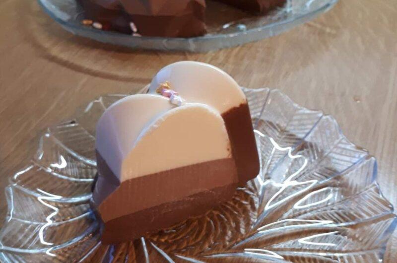 Τρίχρωμη Τούρτα Σοκολάτας