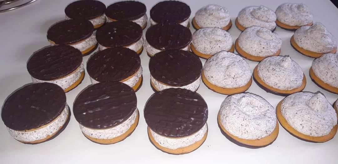 Παγωτίνια με Μπισκότα Digestive